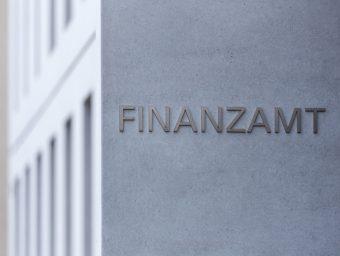 Zinsswap – Das Urteil des FG Berlin-Brandenburg tritt der bestehenden weiten Auslegung der Finanzverwaltung entgegen.