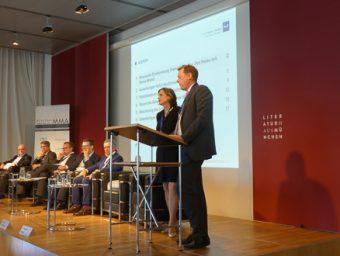 Die P+P-Partner Dr. Barbara Koch-Schulte und Benedikt Hohaus eröffneten die Panel-Diskussion.