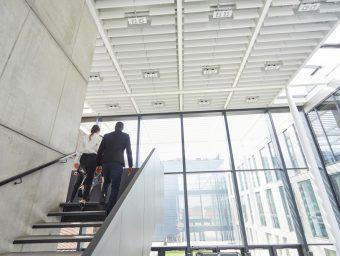 Sind Gesellschafter gleichzeitig Manager eines Unternehmens ist die steuerliche Behandlung ihrer Beteiligungen oft schwierig.