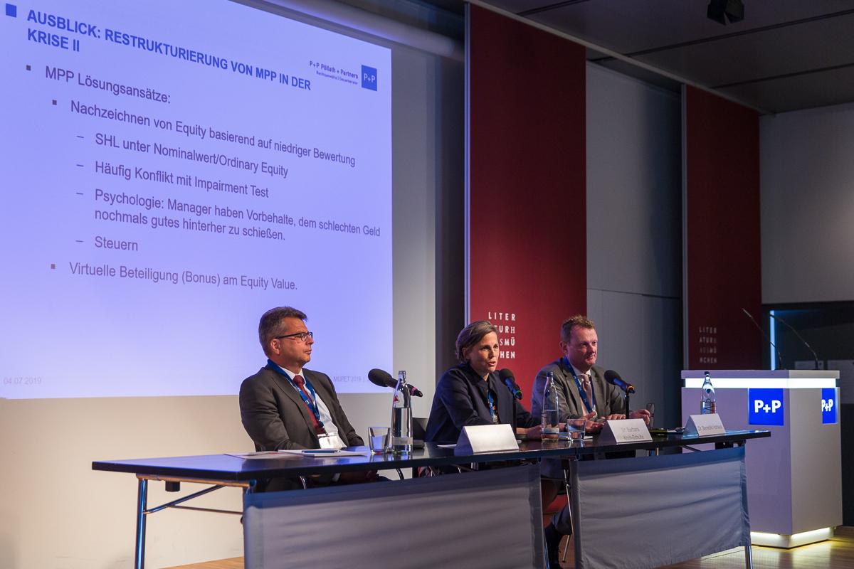 MPP im Fokus – Bei der MUPET 2019 stellten Alexander Götz (li.; Blättchen & Partner), Dr. Barbara Koch-Schulte und Dr. Benedikt Hohaus (beide P+P Pöllath + Partners) die aktuellen Entwicklungen bei Managementbeteiligungen vor.