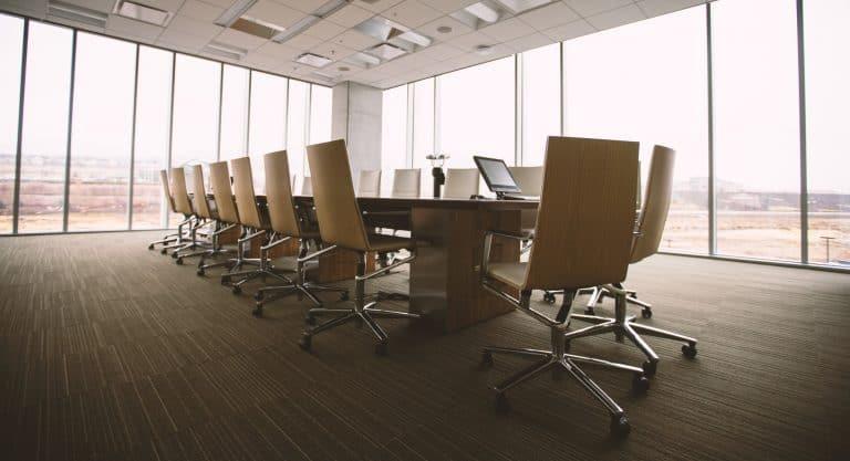 Mit Inkrafttreten des ARUG II kommen auf die Vorstände börsennotierter Unternehmen weitreichende Änderungen zu.
