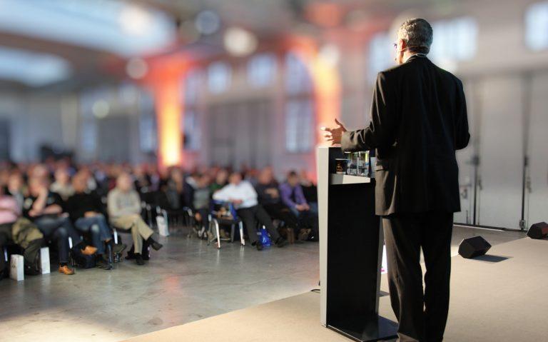Corporate Governance schützt die Interessen der Stakeholder einer Gesellschaft.