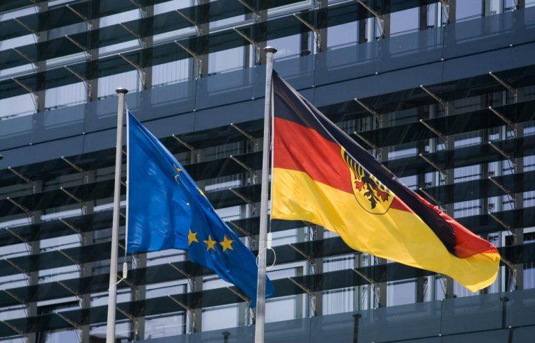 """DAC 6: Mit dem """"Gesetz zur Einführung einer Pflicht zur Mitteilung grenzüberschreitender Steuergestaltungen"""" hat der deutsche Gesetzgeber eine EU-Richtlinie in nationales Recht umgesetzt."""