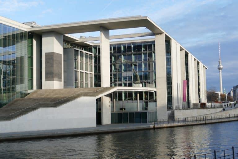 Berlin rüstet sich für den Corona-Herbst 2020. Die Verlängerung einiger Wirtschaftshilfen soll für Entspannung sorgen.